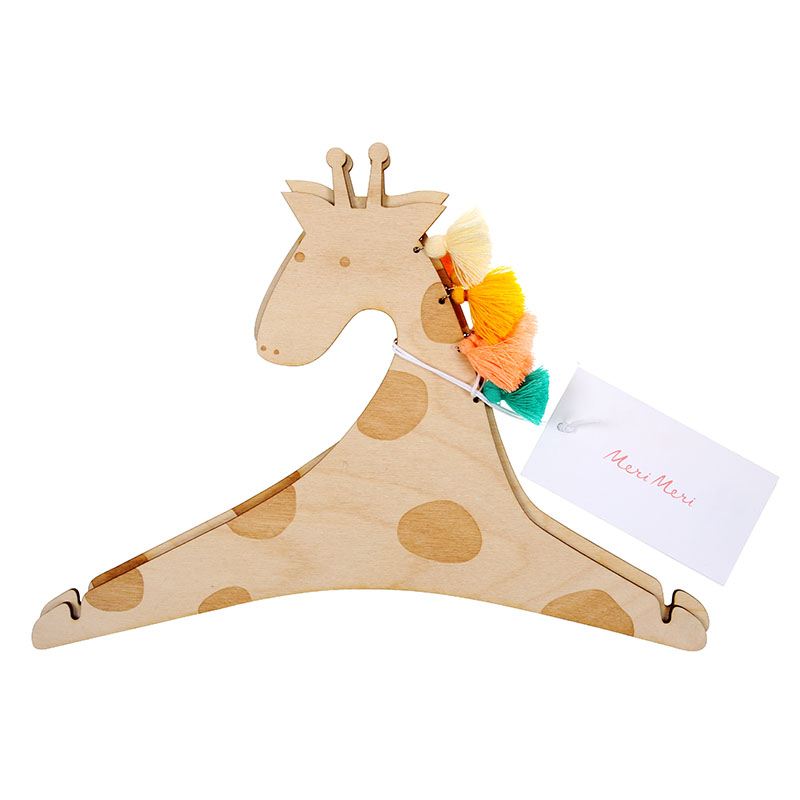 Cintres-enfants-bois-jungle-girafe-deco-pompons-merimeri-paris15