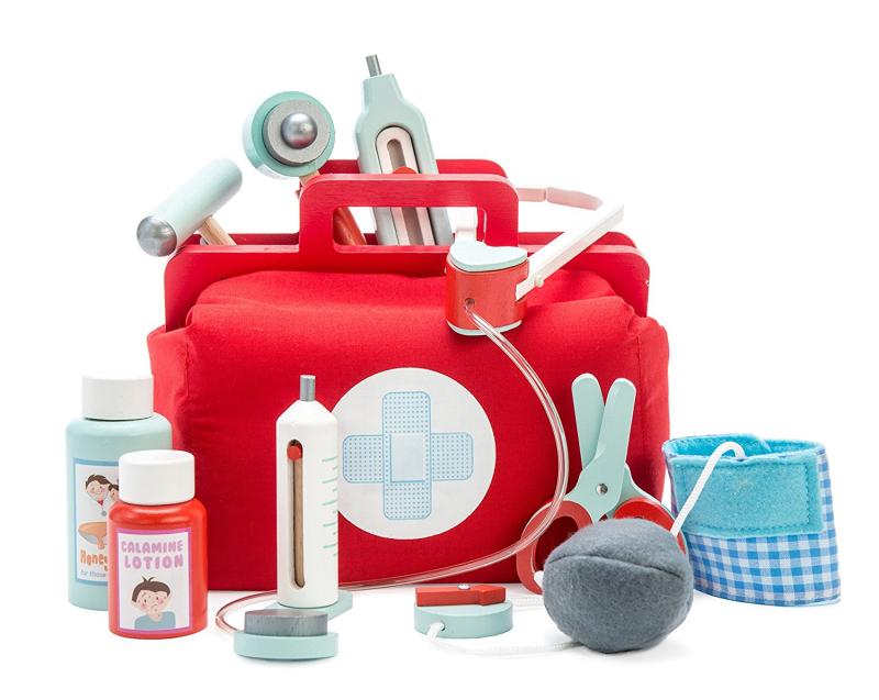 Valise-docteur-jouet-en-bois-paris-15-enfant