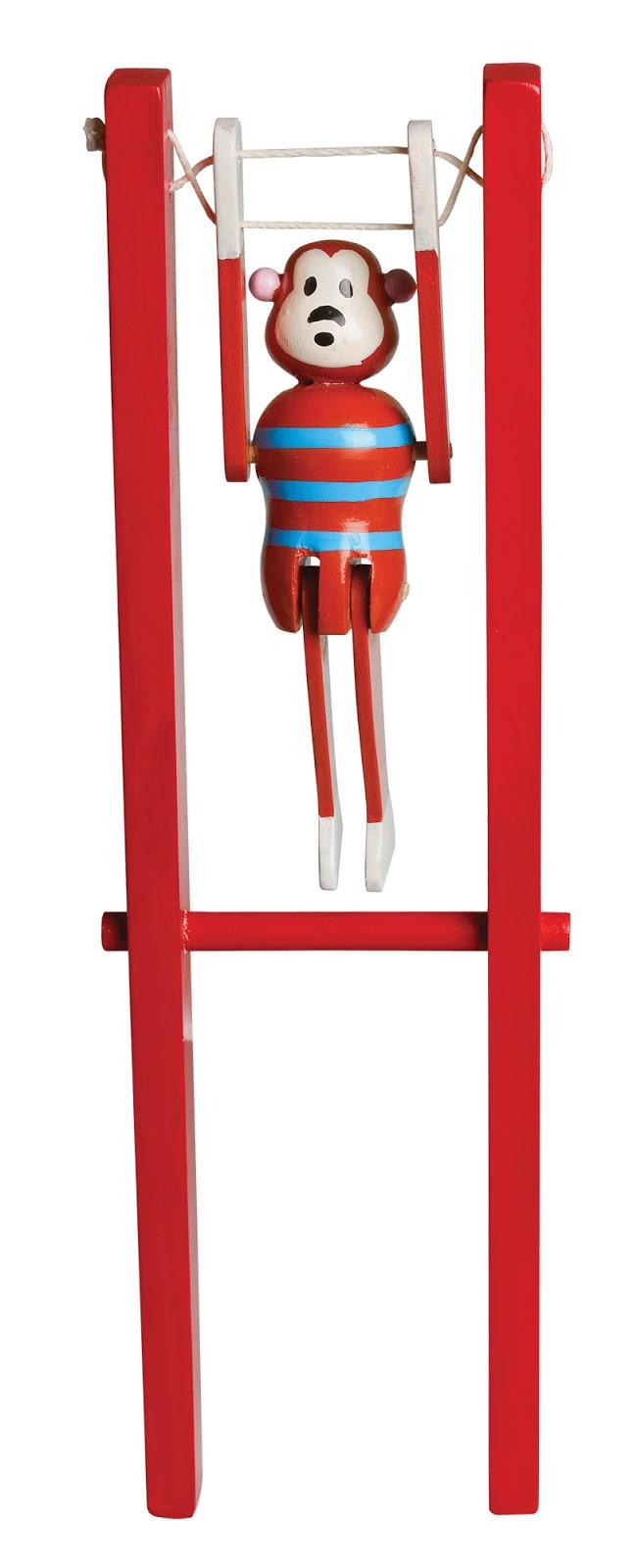 Acrobate-bois-magasin-jouets-paris-15-2