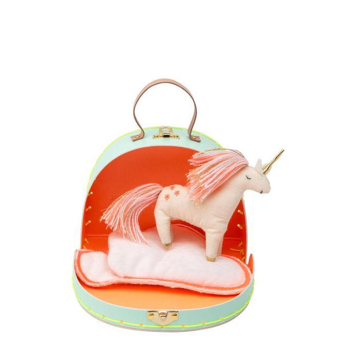 Mini_unicorn_suitcase