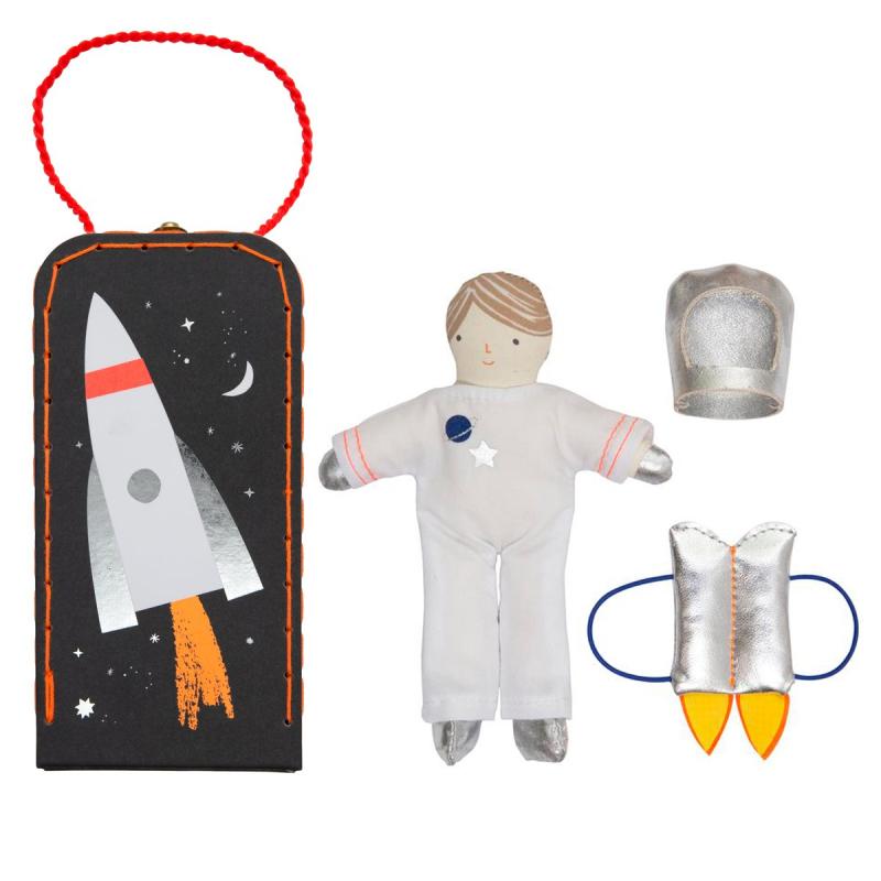 Sams_House_Mini_Astronaut_Suitcase_Meri_Meri_little_citizens_5